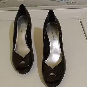 Womens AK Anne Klein 9.5 heels